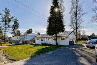 Photo 2: 10777 141 Street in Surrey: Whalley House for sale (North Surrey)  : MLS®# R2438091