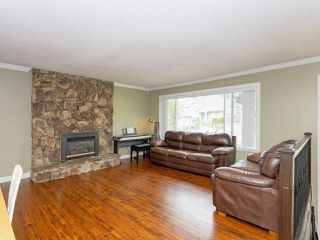 """Photo 2: 2136 KUGLER Avenue in Coquitlam: Central Coquitlam House for sale in """"Central Coquitlam"""" : MLS®# R2457039"""
