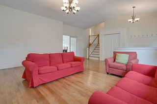 Photo 3: 14611 99 Avenue in Edmonton: Zone 10 House for sale : MLS®# E4203325