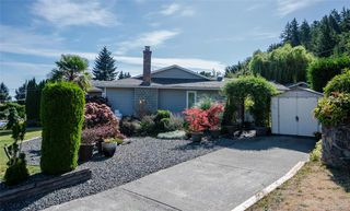 Photo 2: 857 Cecil Blogg Dr in Colwood: Co Triangle House for sale : MLS®# 840482