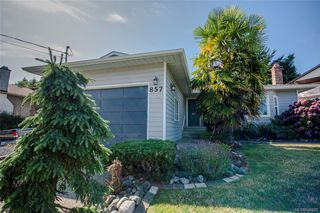 Photo 3: 857 Cecil Blogg Dr in Colwood: Co Triangle House for sale : MLS®# 840482