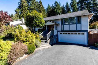 Photo 1: 3188 Robinson Road in North Vancouver: Lynn Valley House for sale : MLS®# R2496486