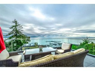"Photo 1: 1105 JOHNSTON Road: White Rock House for sale in ""Hillside"" (South Surrey White Rock)  : MLS®# R2511145"