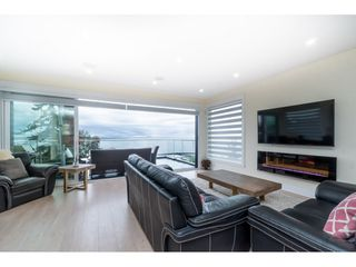 "Photo 14: 1105 JOHNSTON Road: White Rock House for sale in ""Hillside"" (South Surrey White Rock)  : MLS®# R2511145"