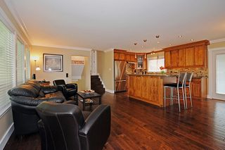 Photo 2: 636 Shaw Avenue in Coquitlam: Coquitlam West Home for sale ()