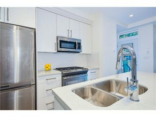 "Photo 6: 3711 COMMERCIAL Street in Vancouver: Victoria VE Townhouse for sale in ""O2"" (Vancouver East)  : MLS®# V1025256"
