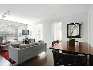 "Photo 3: 3171 W 4TH Avenue in Vancouver: Kitsilano Townhouse for sale in ""Bridgewater"" (Vancouver West)  : MLS®# V1076310"