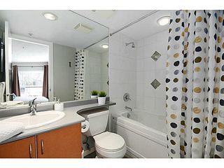 "Photo 9: 3171 W 4TH Avenue in Vancouver: Kitsilano Townhouse for sale in ""Bridgewater"" (Vancouver West)  : MLS®# V1076310"