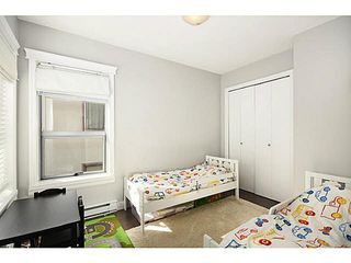 """Photo 10: 3171 W 4TH Avenue in Vancouver: Kitsilano Townhouse for sale in """"Bridgewater"""" (Vancouver West)  : MLS®# V1076310"""