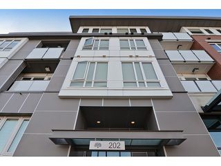 Photo 2: # 302 202 E 24TH AV in Vancouver: Main Condo for sale (Vancouver East)  : MLS®# V1111289