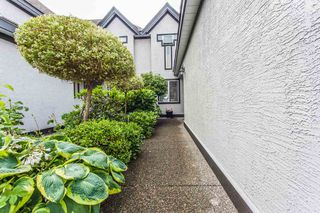 Photo 2: 28 8567 164 STREET in Surrey: Fleetwood Tynehead Townhouse for sale : MLS®# R2079133