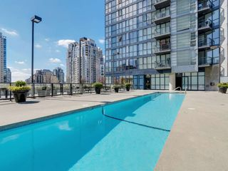 Photo 1:  in Vancouver: Condo for rent : MLS®# AR025A