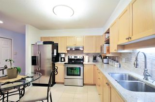 Photo 4: 405 6735 STATION HILL COURT in Burnaby: South Slope Condo for sale (Burnaby South)  : MLS®# R2149958