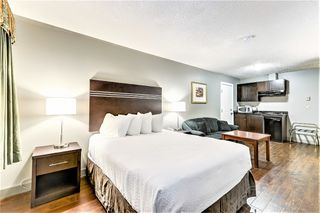 Photo 5: Exclusive Hotel/Motel with property: Business with Property for sale