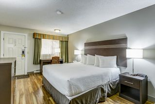 Photo 16: Exclusive Hotel/Motel with property: Business with Property for sale