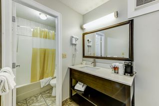 Photo 18: Exclusive Hotel/Motel with property: Business with Property for sale