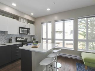 Photo 9: 6 160 PEMBINA STREET in New Westminster: Queensborough Townhouse for sale : MLS®# R2369111