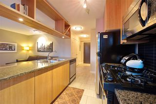 """Photo 7: 1008 1001 RICHARDS Street in Vancouver: Downtown VW Condo for sale in """"THE MIRO"""" (Vancouver West)  : MLS®# R2394358"""