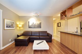 """Photo 4: 1008 1001 RICHARDS Street in Vancouver: Downtown VW Condo for sale in """"THE MIRO"""" (Vancouver West)  : MLS®# R2394358"""