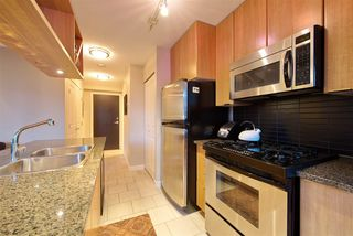 """Photo 9: 1008 1001 RICHARDS Street in Vancouver: Downtown VW Condo for sale in """"THE MIRO"""" (Vancouver West)  : MLS®# R2394358"""
