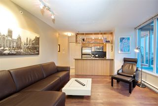 """Photo 2: 1008 1001 RICHARDS Street in Vancouver: Downtown VW Condo for sale in """"THE MIRO"""" (Vancouver West)  : MLS®# R2394358"""