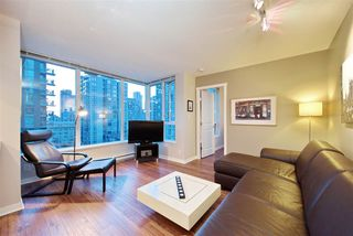 """Photo 1: 1008 1001 RICHARDS Street in Vancouver: Downtown VW Condo for sale in """"THE MIRO"""" (Vancouver West)  : MLS®# R2394358"""