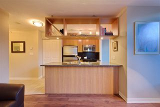 """Photo 3: 1008 1001 RICHARDS Street in Vancouver: Downtown VW Condo for sale in """"THE MIRO"""" (Vancouver West)  : MLS®# R2394358"""