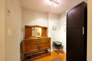 """Photo 6: 1008 1001 RICHARDS Street in Vancouver: Downtown VW Condo for sale in """"THE MIRO"""" (Vancouver West)  : MLS®# R2394358"""