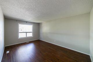 Photo 3: 11425 165 Avenue in Edmonton: Zone 27 House Half Duplex for sale : MLS®# E4172266