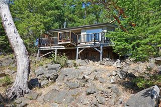 Photo 2: 9813 Spalding Road in PENDER ISLAND: GI Pender Island Single Family Detached for sale (Gulf Islands)  : MLS®# 416276