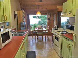 Photo 4: 9813 Spalding Road in PENDER ISLAND: GI Pender Island Single Family Detached for sale (Gulf Islands)  : MLS®# 416276