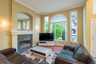 Photo 3: 1330 RAMA Avenue in New Westminster: Queensborough House for sale : MLS®# R2414786