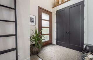 Photo 3: 7954 91 Avenue in Edmonton: Zone 18 House for sale : MLS®# E4197909