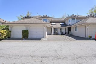 """Photo 2: 19 9045 WALNUT GROVE Drive in Langley: Walnut Grove Townhouse for sale in """"Bridlewoods"""" : MLS®# R2476247"""