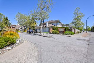 """Photo 3: 19 9045 WALNUT GROVE Drive in Langley: Walnut Grove Townhouse for sale in """"Bridlewoods"""" : MLS®# R2476247"""