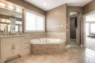 Photo 28: 121 ROCKCLIFF Bay NW in Calgary: Rocky Ridge Detached for sale : MLS®# A1015213