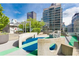 "Photo 27: 1304 833 SEYMOUR Street in Vancouver: Downtown VW Condo for sale in ""Capitol Residences"" (Vancouver West)  : MLS®# R2504631"