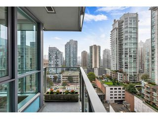 "Photo 8: 1304 833 SEYMOUR Street in Vancouver: Downtown VW Condo for sale in ""Capitol Residences"" (Vancouver West)  : MLS®# R2504631"