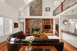Photo 3: 2196 Nicklaus Dr in : La Bear Mountain House for sale (Langford)  : MLS®# 860573