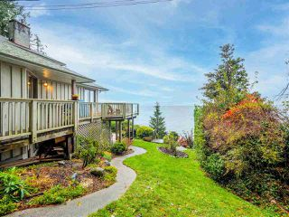 Main Photo: 3427 BEACH Avenue: Roberts Creek House for sale (Sunshine Coast)  : MLS®# R2519025