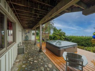 Photo 11: 3427 BEACH Avenue: Roberts Creek House for sale (Sunshine Coast)  : MLS®# R2519025