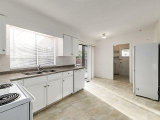 Photo 11: 6560 IMPERIAL Street in Burnaby: Highgate Duplex for sale (Burnaby South)  : MLS®# R2519275