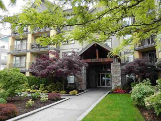Main Photo: 110B 45595 TAMIHI Way in Chilliwack: Vedder S Watson-Promontory Condo for sale (Sardis)  : MLS®# R2519371