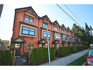 "Photo 1: 950 W 15TH Avenue in Vancouver: Fairview VW Townhouse for sale in ""THE CLASSIX"" (Vancouver West)  : MLS®# V997844"