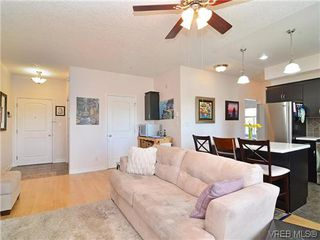 Photo 4: 204 3915 Carey Rd in VICTORIA: SW Tillicum Condo for sale (Saanich West)  : MLS®# 641721