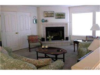 Photo 2: 4557 Elk Lake Dr in VICTORIA: SW Royal Oak House for sale (Saanich West)  : MLS®# 362783