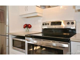 Photo 6: 204 1325 Harrison Street in VICTORIA: Vi Downtown Condo Apartment for sale (Victoria)  : MLS®# 340553