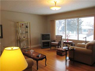 Photo 2: 5819 21 Street SW in Calgary: North Glenmore Residential Detached Single Family for sale : MLS®# C3652293