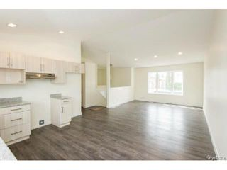 Photo 2: 414 Parkview Street in Winnipeg: Single Family Detached for sale : MLS®# 1604369