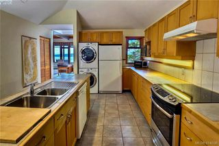 Photo 12: 3825 Cutlass Court in PENDER ISLAND: GI Pender Island Single Family Detached for sale (Gulf Islands)  : MLS®# 414036